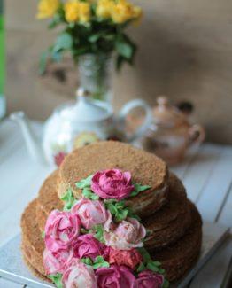 Трехъярусный торт