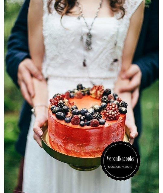 бордовый торт с ягодами на заказ в санкт-петербурге
