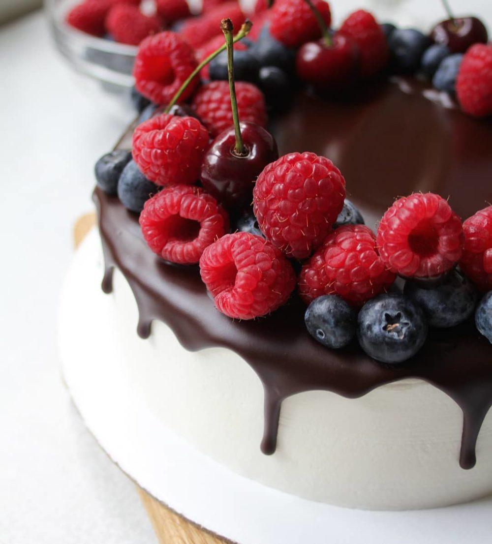 диабетический торт с ягодами