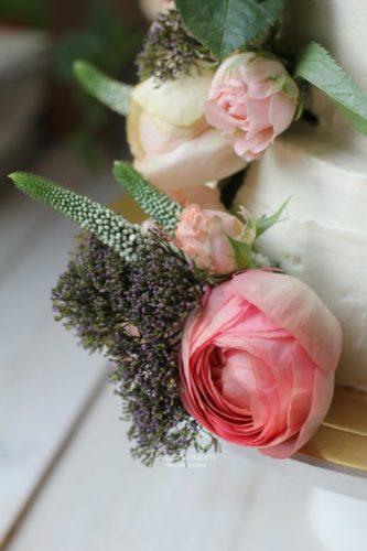 свадебный торт с живыми цветами на заказ в спб