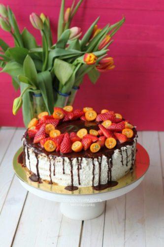Торт медовик с ягодами на заказ в санкт-петербурге