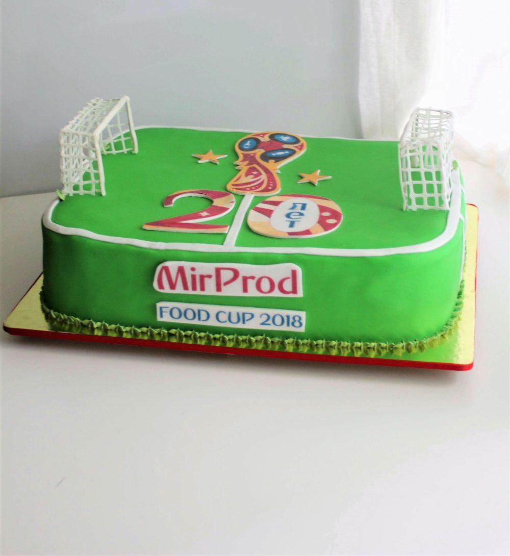 торт футбольное поле с воротами