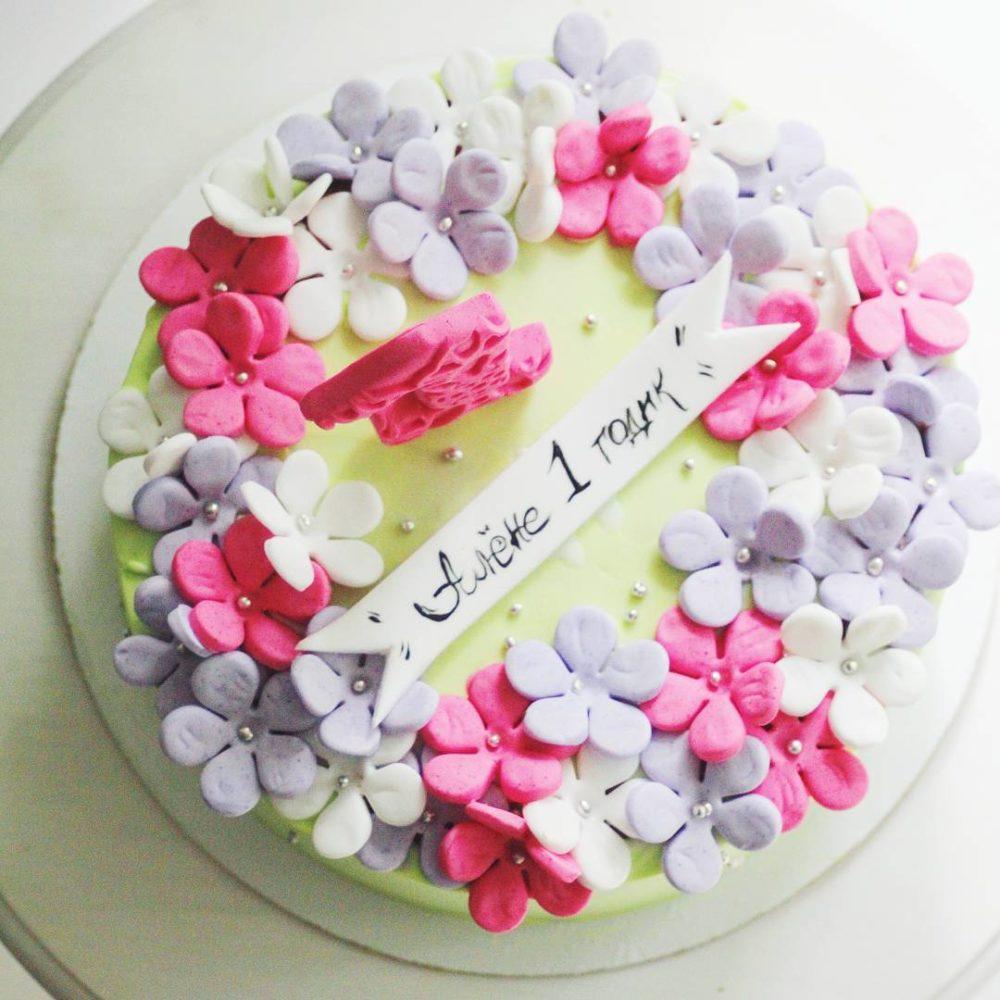 торт на год девочке