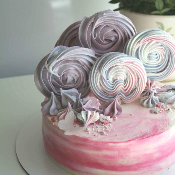 торт с меренгами