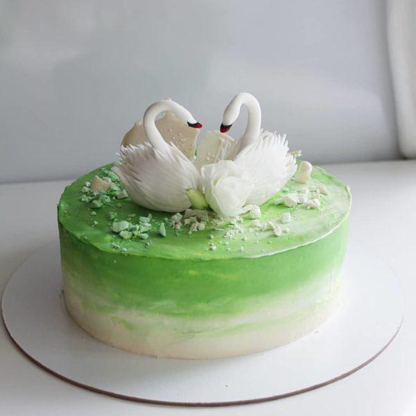торт с лебедями на заказ в спб