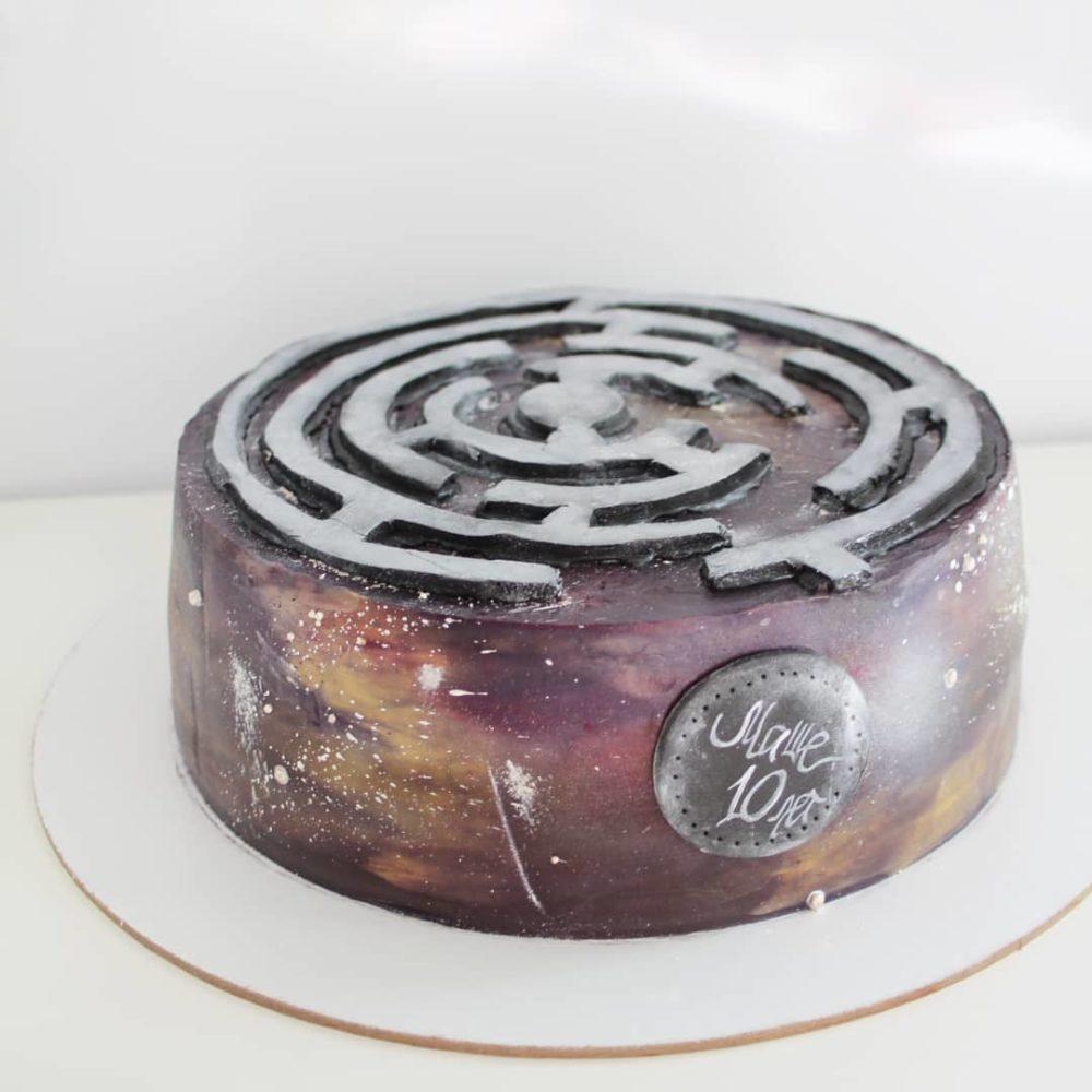 космический торт лабиринт