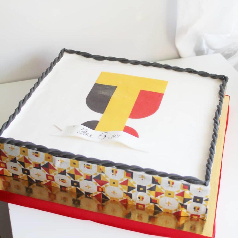 корпоративный торт с мастикой на заказ