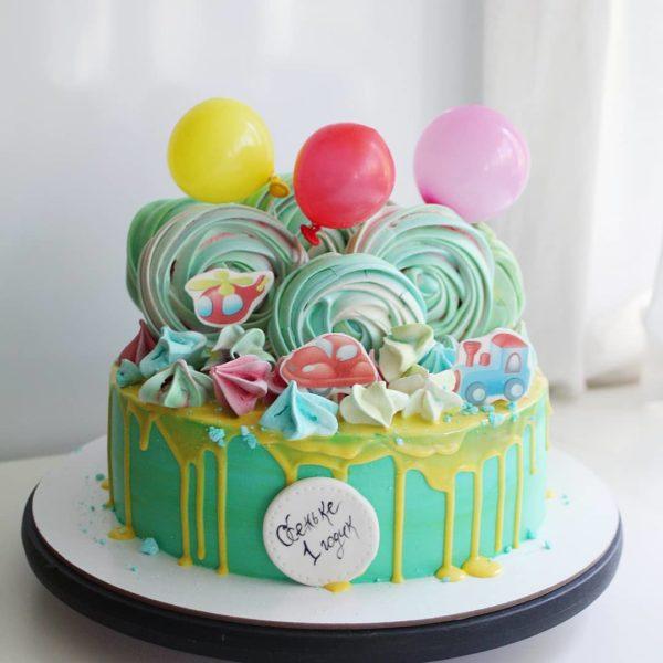 торт с вертолетом