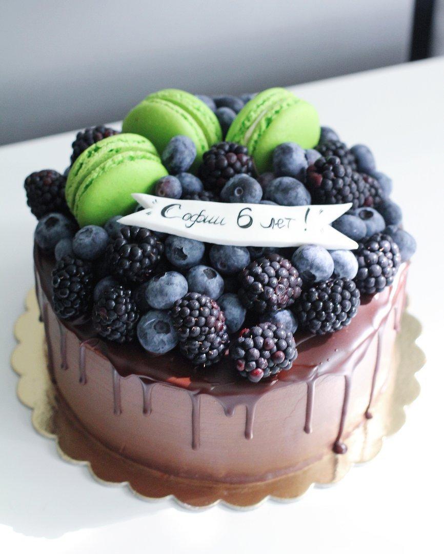 ягодный торт на заказ в спб