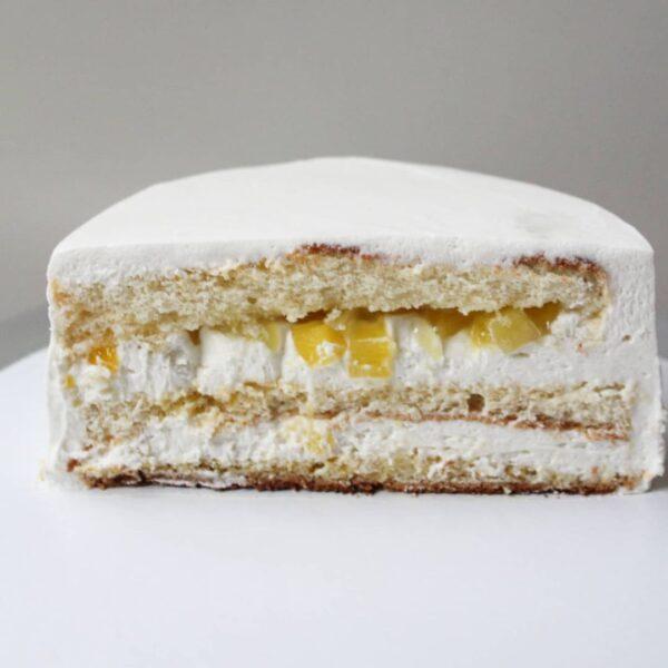 Манговый торт в разрезе