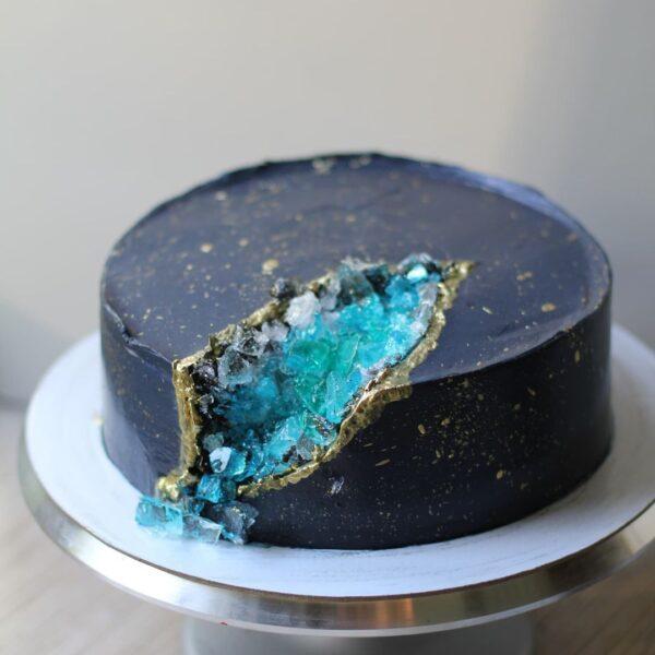 торт с жеодами